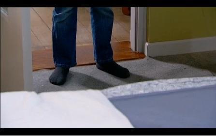 Windykacja etap 3 - tym razem ojciec zabrał buty tuż przed wyjściem do szkoły. Coś bez czego nie sposób się obyć.