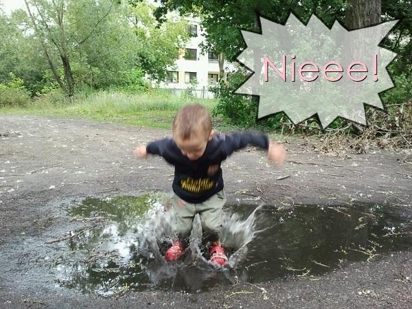 I już słyszę te zawodzące matki, że spodnie mokre, że chory będzie i że woda w butach.